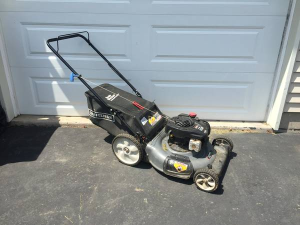 Photo Craftsman 5 HP Lawn Mower - $90 (Bath)