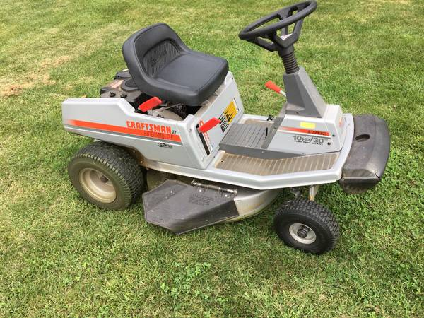 Photo Craftsman Lawn Tractor Mower 30quot - $175 (Lehigh Valley, PA)