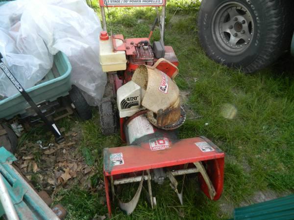 Photo Craftsman snow blower - $150 (boyertown)