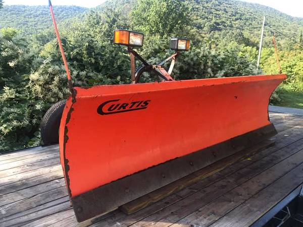Photo Curtis 8 Snowplow for 2010 Ford F-250 complete setup - $1500 (Pottsville, PA)