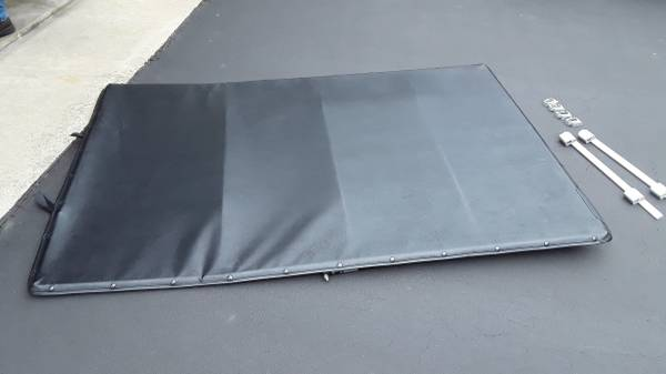 Photo FORD RANGER  OTHERS STEPSIDE TILTING TONNEAU COVER - 50IN X 74IN - $100 (ALLENTOWN)