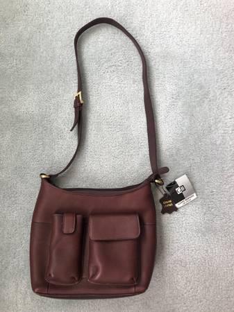 Photo GIANI BERNINI Genuine Brown Leather Purse - New wTags - $15 (Catasauqua PA)