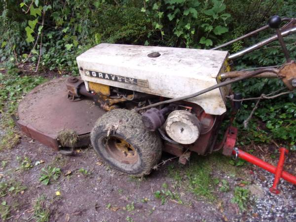 Photo Gravely Tractor walk behind - $500 (KEMPTON)