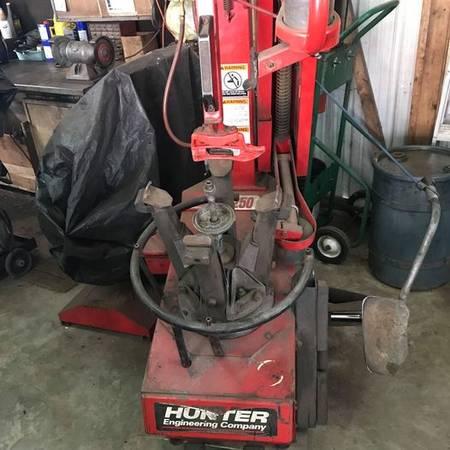 Photo Hunter Tire Machine - $1,100 (Quakertown)