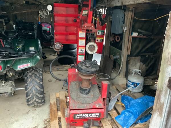 Photo Hunter tire machine - $1,000 (Danielsville)