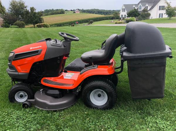 Photo Husqvarna Lawn Tractor with Bagger - $900 (North Whitehall)