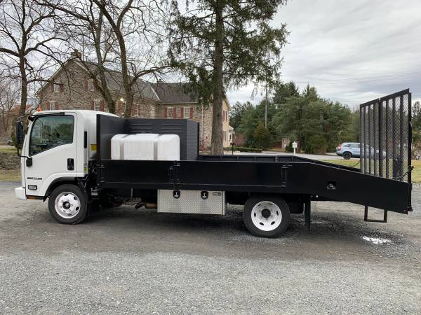 Photo Isuzu - Lawn  Landscape Truck - $52000 (Allentown, PA)