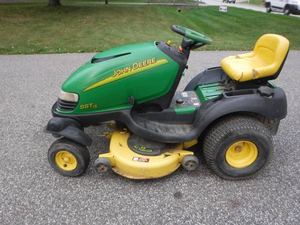 Photo JOHN DEERE SST 15 SPIN STEER LAWN TRACTOR 15 HP 423939 CUT PARTS (Lansdale)