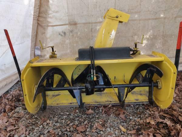 Photo John Deere 47quot snowblower for garden tractor - $2,000 (Zionsville)
