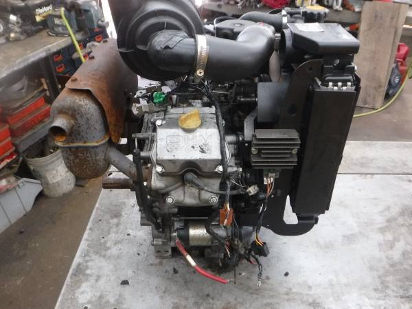 Photo KAWASAKI FD791V  26 HP FUEL INJECTED V TWIN LIQUID COOLED ENGINE (Lansdale)