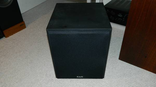 Photo KLH Powered Subwoofer with 10quot Woofer - $100 (Macungie)