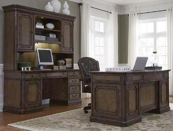 Photo )Like...3 Piece Desk..Three...)(( Demands Attention-)Mahogany( - $2,925 (Lehigh Valley)