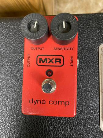 Photo MXR Dyna Comp M102 compressor pedal - $55 (Shoemakersville)
