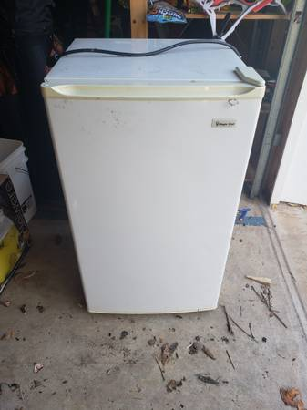 Photo Magic Chef Mini Fridge - $50 (Franconia)
