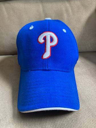 Photo Philadelphia Phillies Blue Hat White Embroidered P, with Red Outline - $4