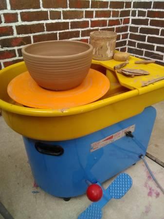 Photo Pottery wheel Shimpo - $675 (Allentown PA)