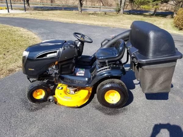 Photo Poulan Pro 42quot riding lawn mower triple bagger - $850 (Hellertown)
