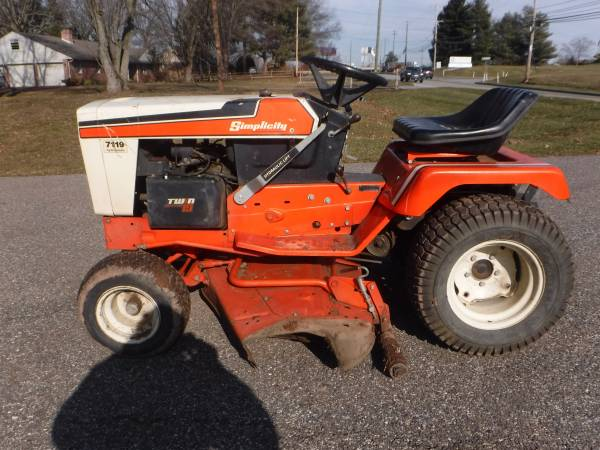 Photo SIMPLICITY 7119 GARDEN TRACTOR 19 HP 423939 CUT HYDRO PARTS (Lansdale)