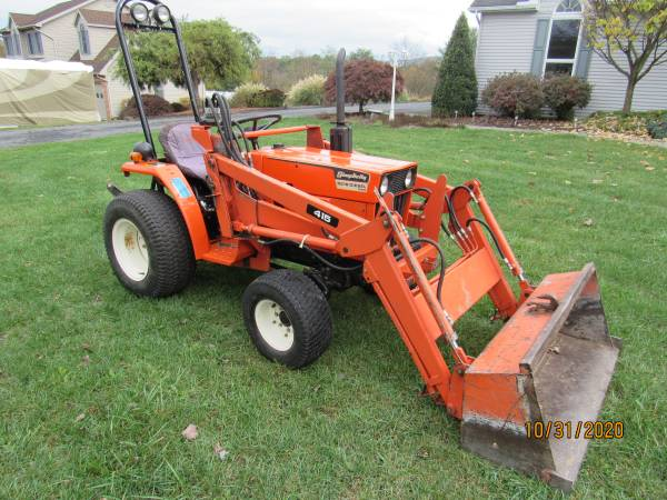 Photo Simplicity 9518 4X4 Tractor - $6,500 (Duncannon)