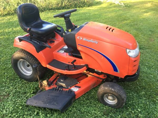 Photo Simplicity Broadmoor 50quot Riding Lawn Mower - $1,800 (Perkasie)