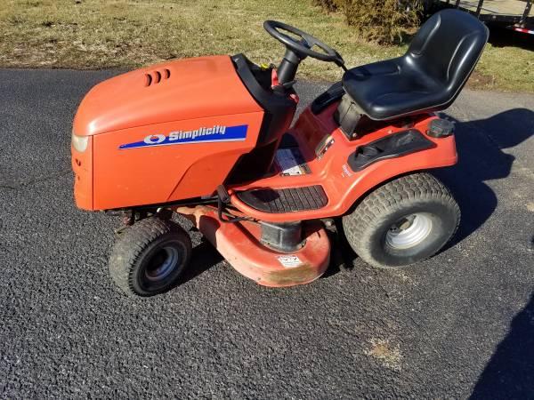 Photo Simplicity Regent 44quot riding lawn mower - $600 (BETHLEHEM)