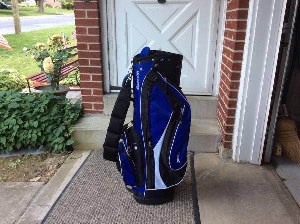 Photo Slazenger golf cart bag - like new - $50 (Nazareth)