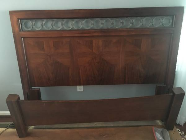 Photo Solid Wood Queen Bed Frame Headboard w side rails and footboard. $100 - $100 (Macungie)