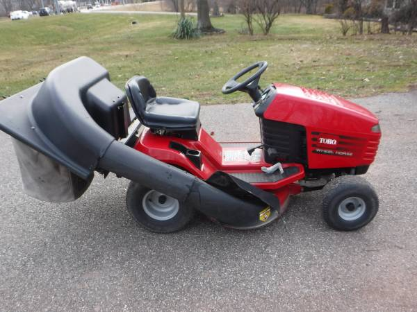 Photo TORO  WHEEL HORSE 14-38 HXL W BAGGER  PARTS (Lansdale)