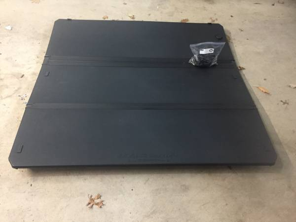 Tacoma Oem Tri Fold Tonneau Cover Fits 2016 18 Short Bed 475 Mt Pocono Auto Parts Sale Allentown Pa Shoppok