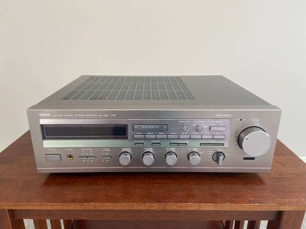 Photo Vintage Yamaha RX-930 Stereo Receiver - $40 (SCHNECKSVILLE)