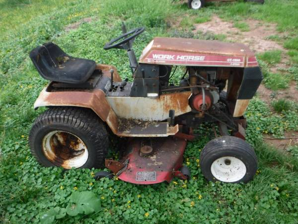 Photo WHEEL HORSE  WORK HORSE GT-1100 GARDEN TRACTOR FOR PARTS - $100 (Lansdale)