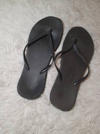 Photo Well worn flops - $35 (Kutztown)