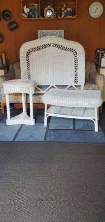 Photo White Wicker Twin Size Bed Headboard Round Nightstand Table End Bench - $150 (Hellertown, Pa)