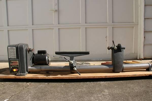 Photo Wood Lathe Craftsman 12quot - $250 (Bangor)