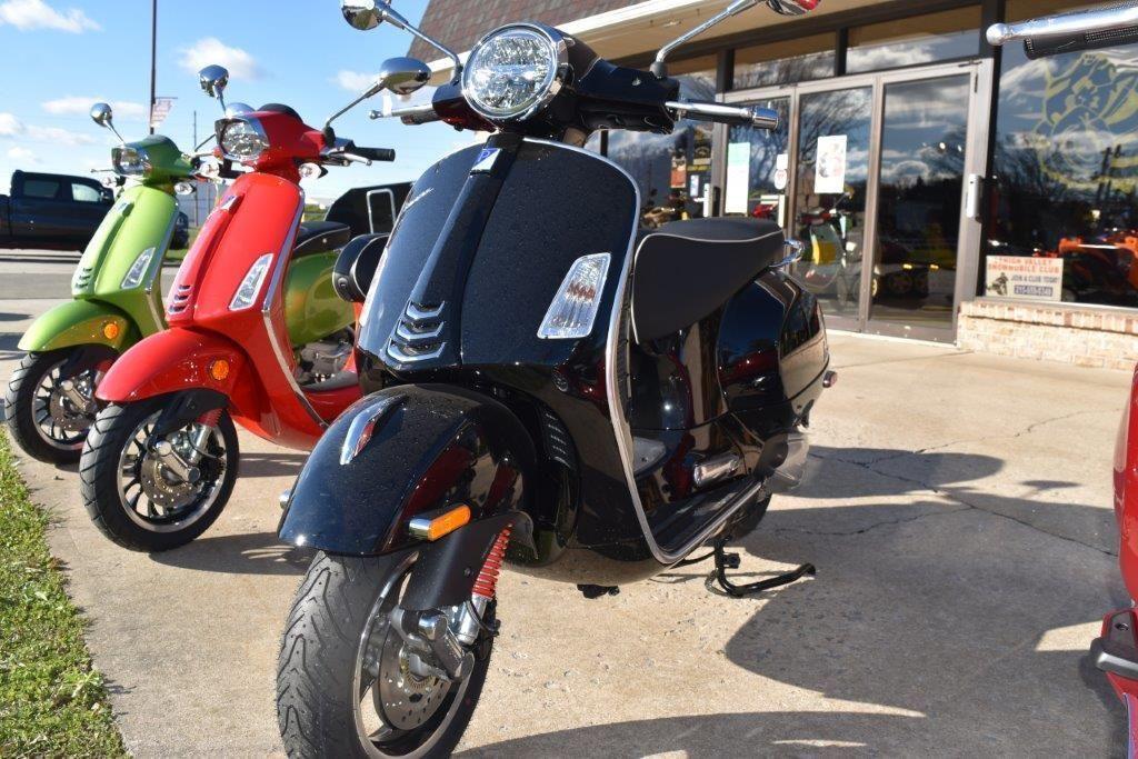 Photo 2021 Vespa GTS Super 300 HPE ABS $6899