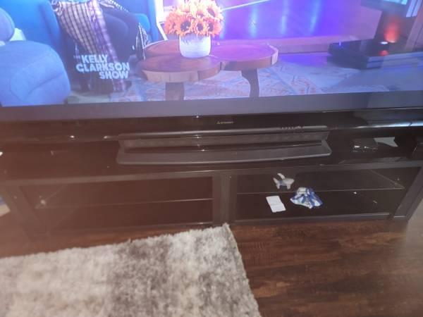 Photo 92 inch mitsubishi DLP TV with TV stand - $1,200 (LAWTON)