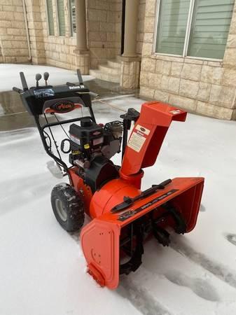 Photo Ariens Snow Blower - $995 (Amarillo)