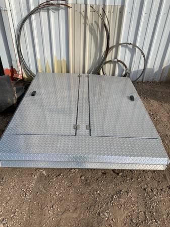 Photo Chrome Diamond Plate Bed Cover - $550 (Borger)