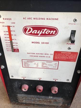 Photo Dayton welding machine - $200 (Lubbock)