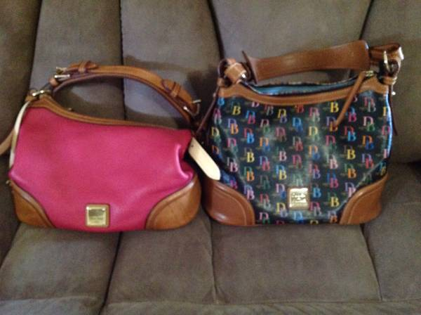Photo Dooney and Bourke purse - $50 (Ridgecrest)