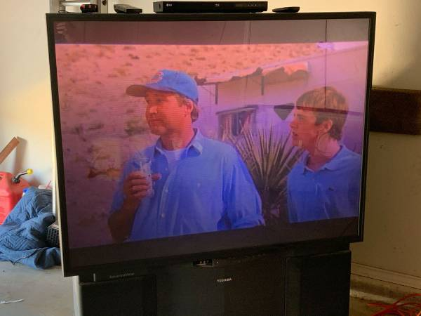 Photo Free 61 Toshiba TV - if you can haul it, you can have it (Southwest Lubbock)