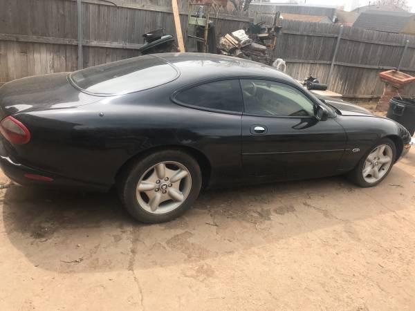 Photo Jaguar xk8 - $2750 (Amarillo)
