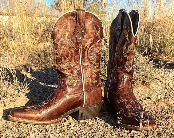 Photo New Ariat Boots Size 7 12 (NW of Amarillo)