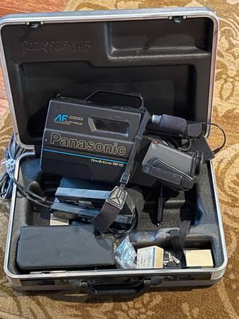 Photo Panasonic OmniMovie VHS - $200