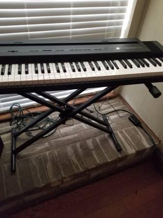 Photo Roland ep.7 Piano - $275 (Amarillo)