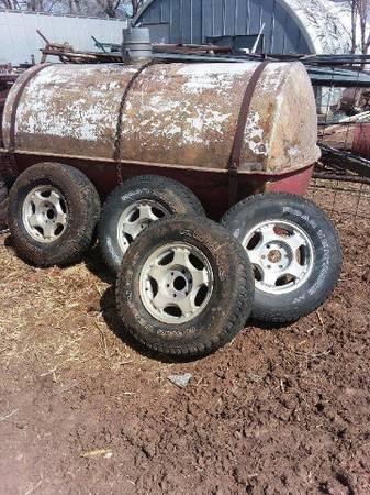 Photo Set of 4. 16quot Chevy wheels 6 lug - $125 (Dumas)