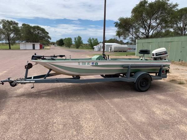 Photo Skeeter Bass Boat - $1,750 (Clarendon)
