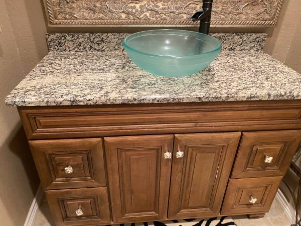 Photo Solid wood bathroom vanity with granite top, vessel sink and faucet - $750 (Amarillo)