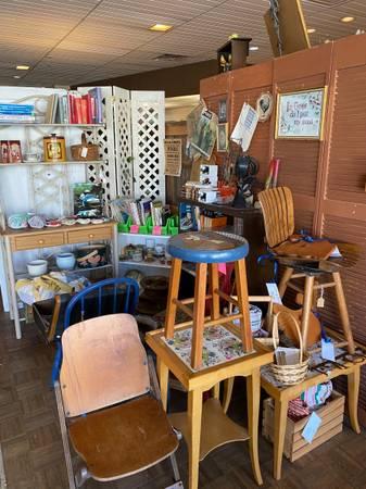 Photo Store Closing White Rabbit Antiques 2717 Stanley (Amarillo)