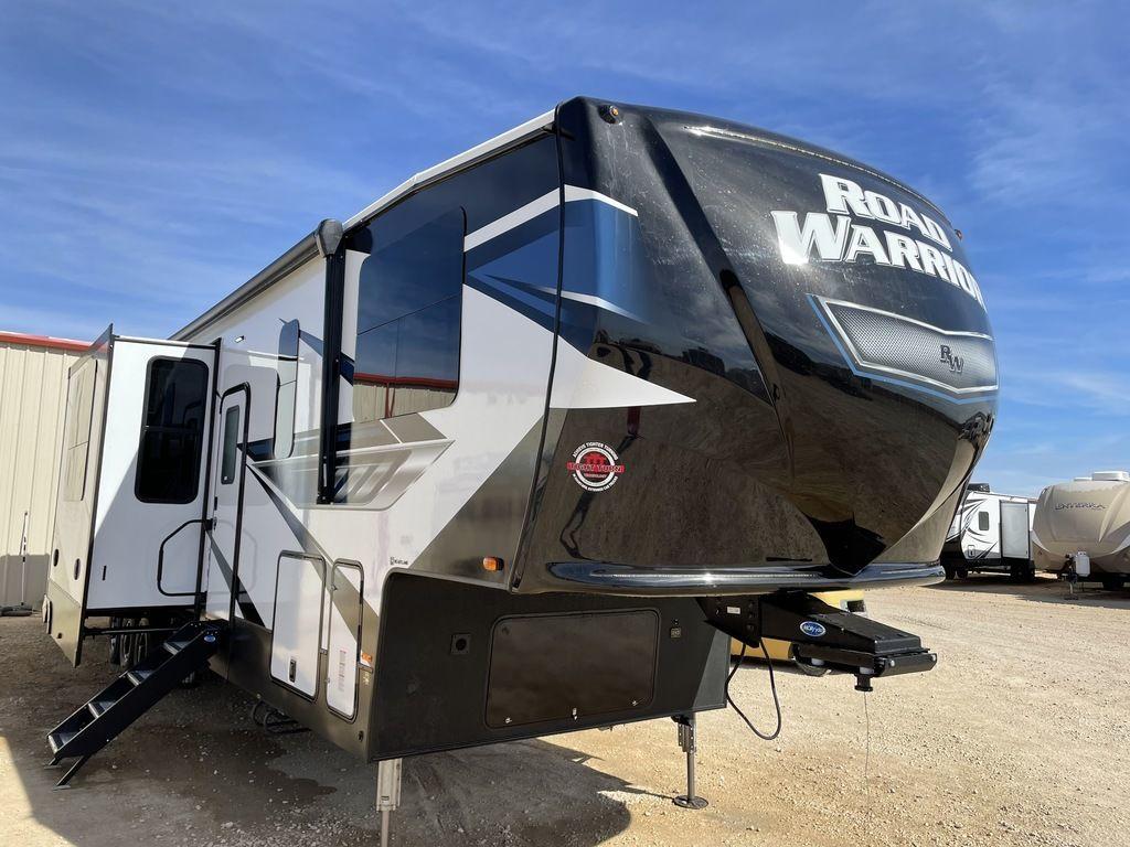 Photo 2021 Heartland Road Warrior 3965 $79999